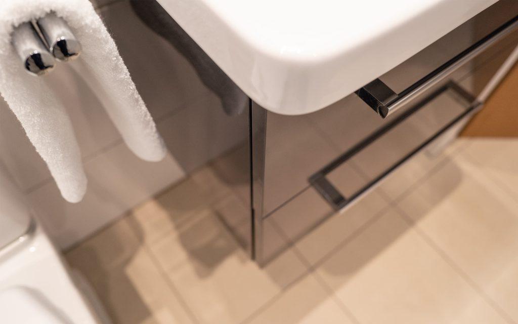 Badezimmer Waschbeckenschrank